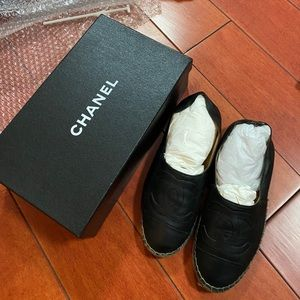 Chanel black leather canvas loafer